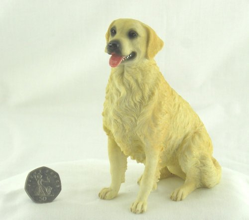Best Of Breed by Naturecraft – Golden Retriever Seated Dog – 15cm