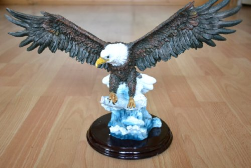 Naturecraft Large Flying Eagle With Fish In Claws Figurine Statue Attractive Ornament Gift For An Eagle Bird Of Prey Lover